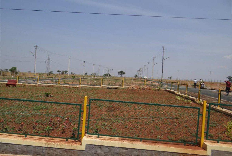 Akshaya Siri- Amenities Provided The Asphalted Roads, Electricity Connectivity, Park, Drainage Facilities