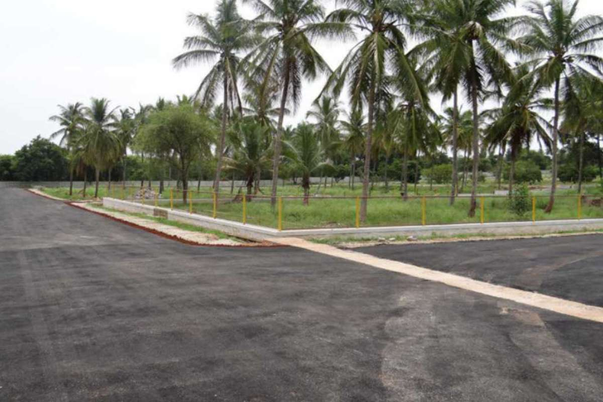 Manasa Sites Amenities Provided Are - The Asphalted Roads, Drainage Connection, Electricity Connectivity - By GSS Projects Mysore